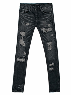 Black destroyed jean-crop